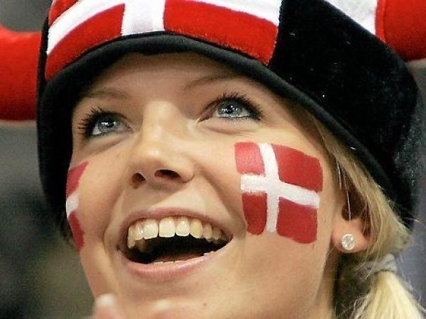 Dansk kvinne, Danmark og Norge
