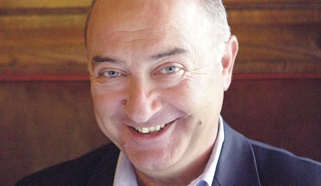 Ervin Kohn smiler